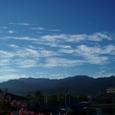 家から見た山々、早朝です。8月下旬。市内はまだ35度に昼なります