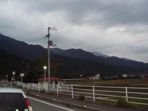 秋の西条の山並み
