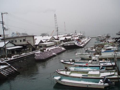 1月22日 大雪が解ける前の西条港