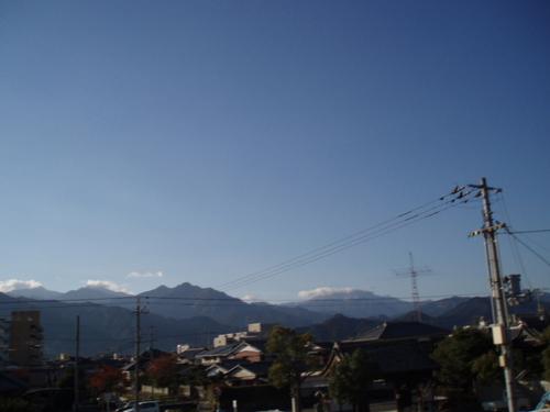 晩秋朝の石鎚山