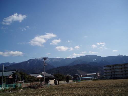 如月の末、四国山脈の春のはじめ